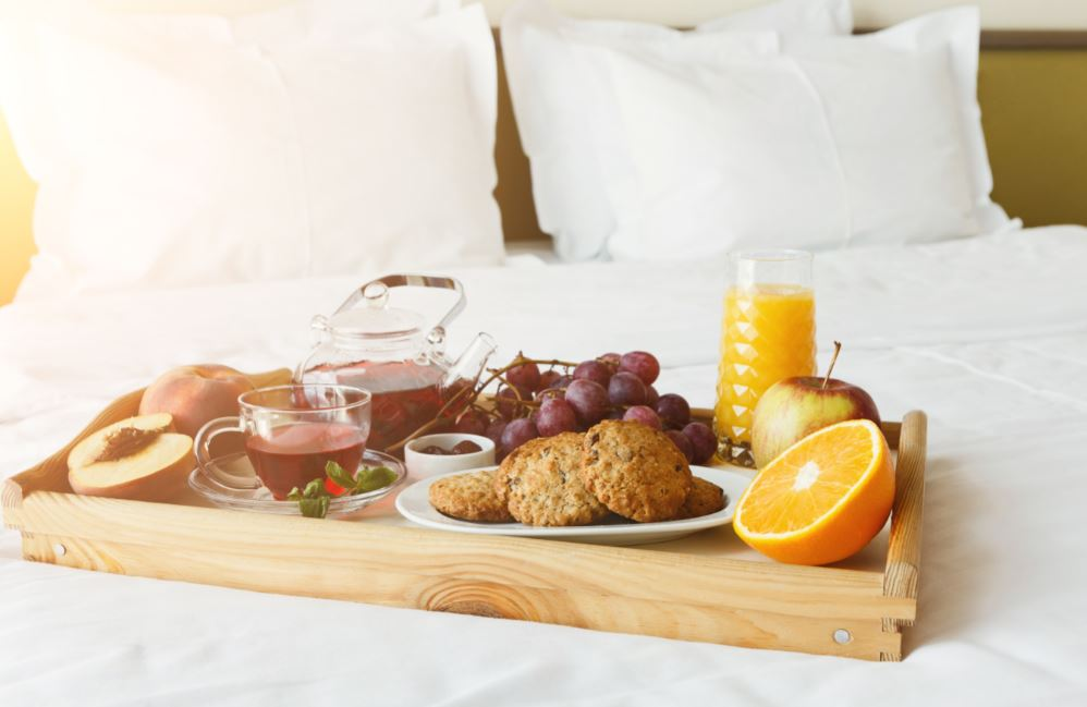 The Benefits of Mobile Ordering for In-Room Dining